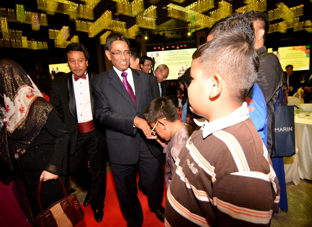 The Minister of Health welcomed by Haziq a MPS type 6 patient